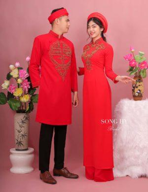 áo dài cô dâu chú rể cặp đỏ kết chữ hỷ